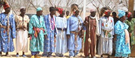 """Les Saltigués """"khoy"""" lors d'une de leurs cérémonies"""