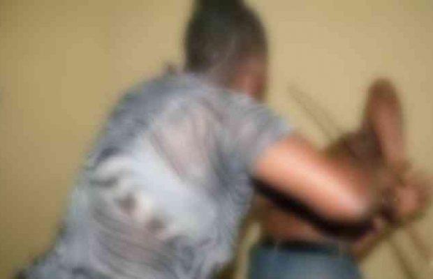 Scène de ménage à Diourbel: Diama Sylla fracasse le bras de son mari avec un pilon