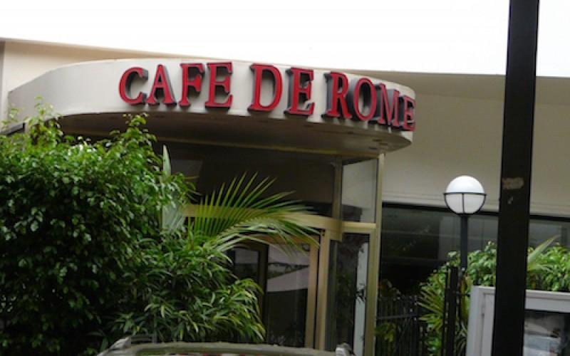 Pour mémoire, les 12 employés du « Café de Rome », poursuivis pour les délits  d'association de malfaiteurs, vol répété en bande organisée et abus de confiance ont fait face hier aux magistrats du Tribunal de Dakar.