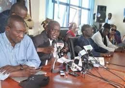 Le comité directeur du PDS face à la presse