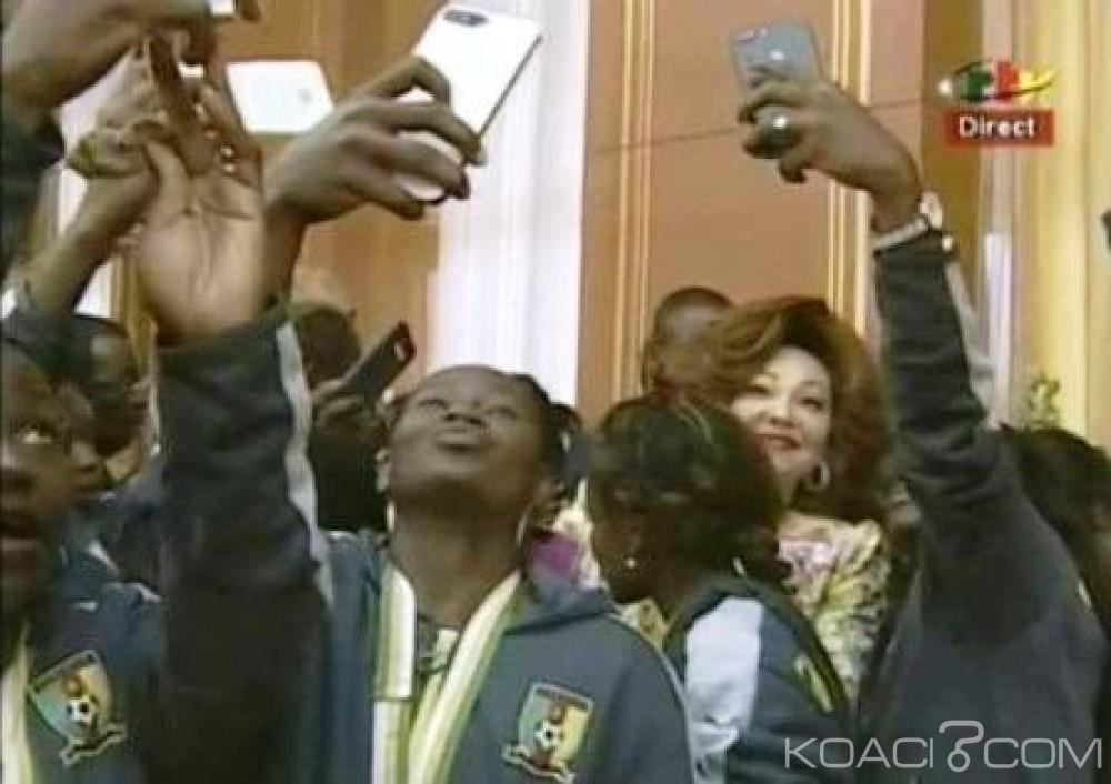 Cameroun : Paul Biya et Chantal Biya en mode selfie, et la toile s'enflamme.
