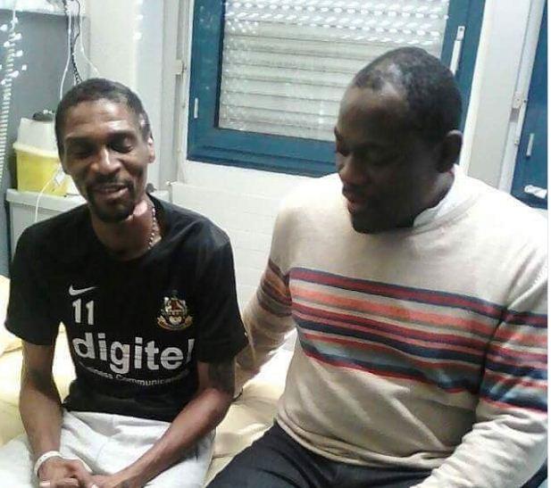 Après deux arrêts cardiaques et être entré dans le coma, Rigobert Song va mieux et continue son traitement en France.