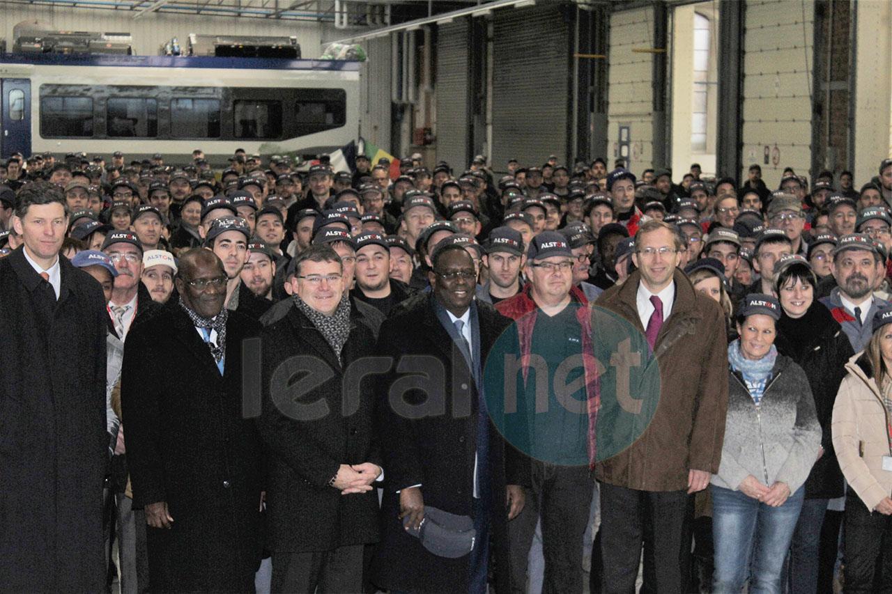 32 Photos: Visite du président Macky Sall à Alstom: (Industrie ferroviaire) pour le TER