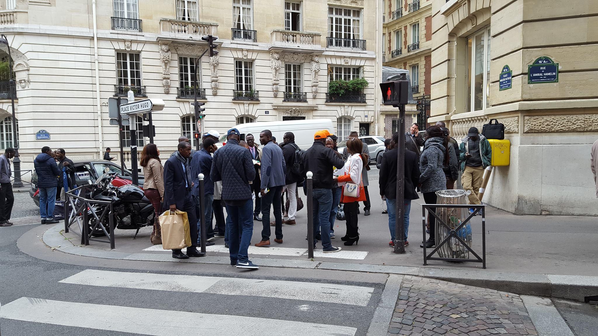 26 personnes de l'opposition Sénégalaise ont manifesté à Paris ( Photos)