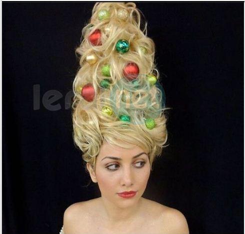 Coiffer ses cheveux en sapin de Noël est la nouvelle tendance beauté des fêtes