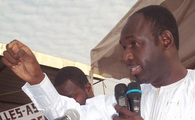 (Exclusivité) Les coulisses de la réunion de l'APR Grand Yoff: Cheikh Ndiaye flingue Adama Faye, Nancy Dème et Khaly Lo se crêpent le chignon