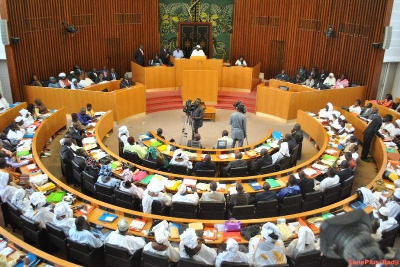 Les députés en session à l'Assemblée Nationale