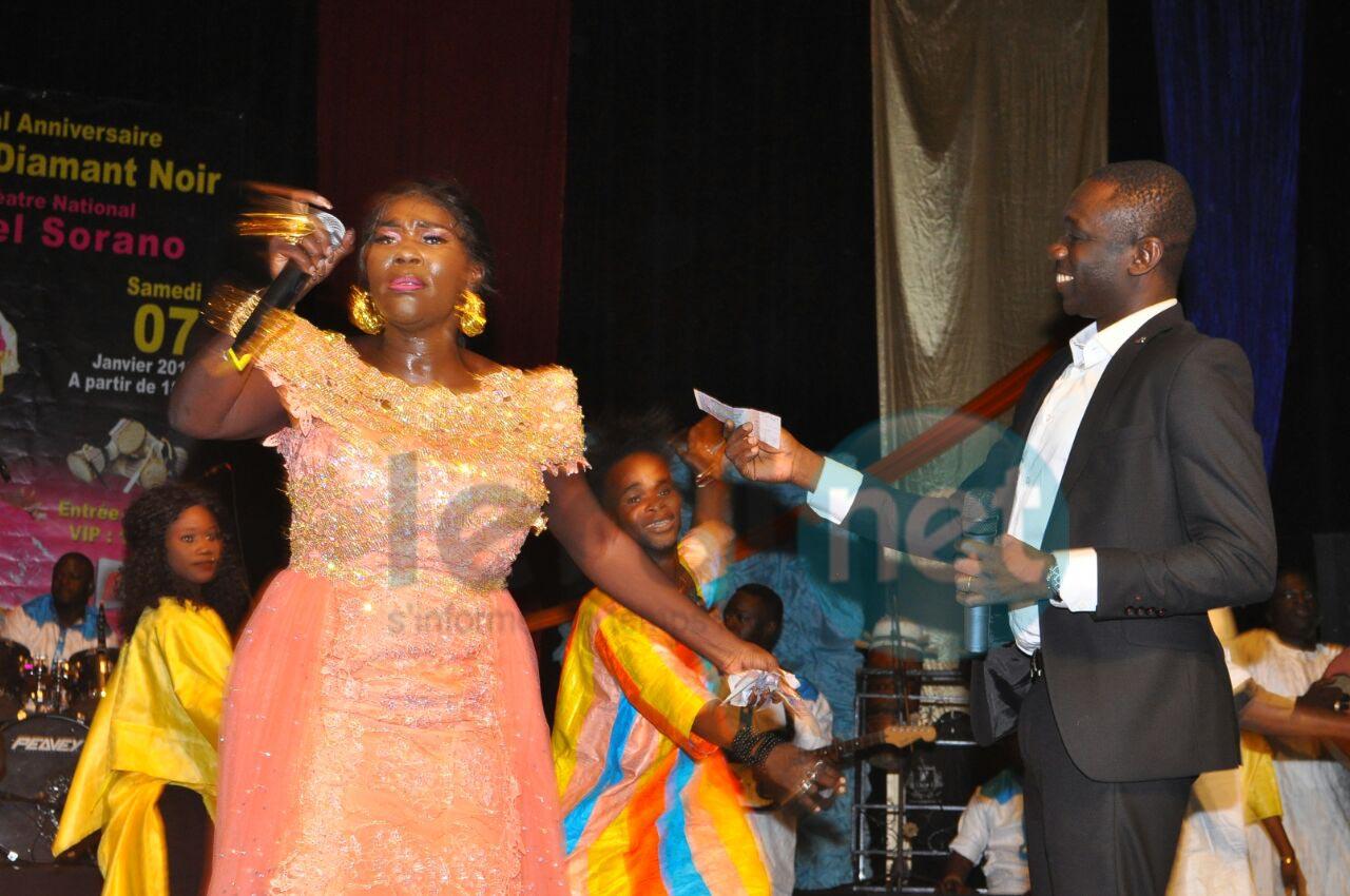 """Photo : L'anniversaire de Ndiolé """"Diamant noir"""" au théâtre national Daniel Sorano de Dakar, regardez"""