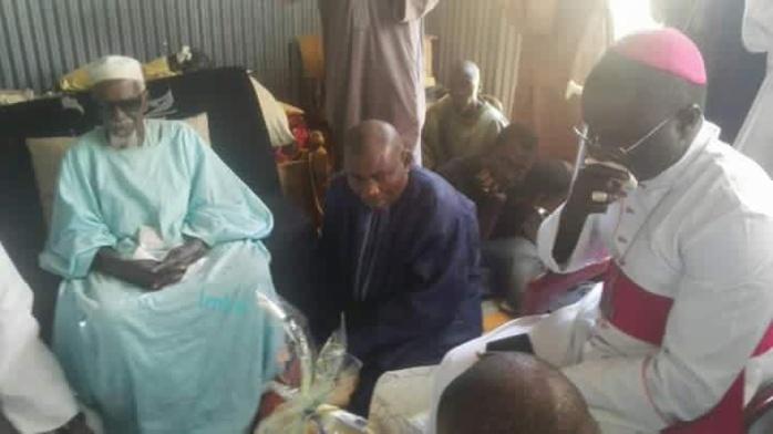 Dialogue inter-religieux: L'archevêque de Dakar rend visite au Khalife général des mourides