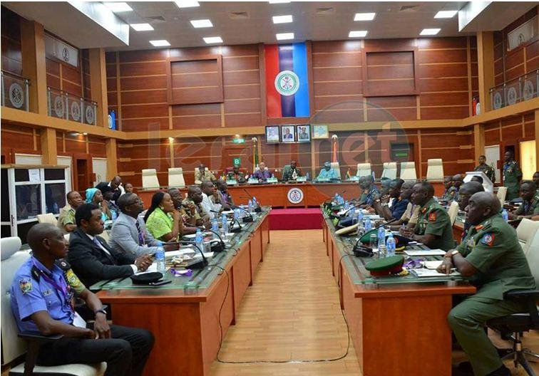 Gambie : les chefs de la défense de la CEDEAO se sont vus à Abuja en rapport de l'impasse politique gambienne
