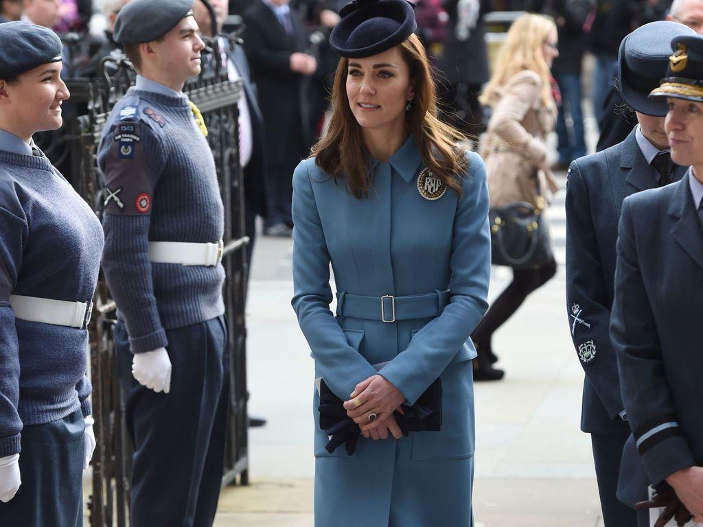 Kate Middleton lors d'une messe pour célébrer les 75 ans des cadets de l'armée de l'air à Londres, le 7 février 2016