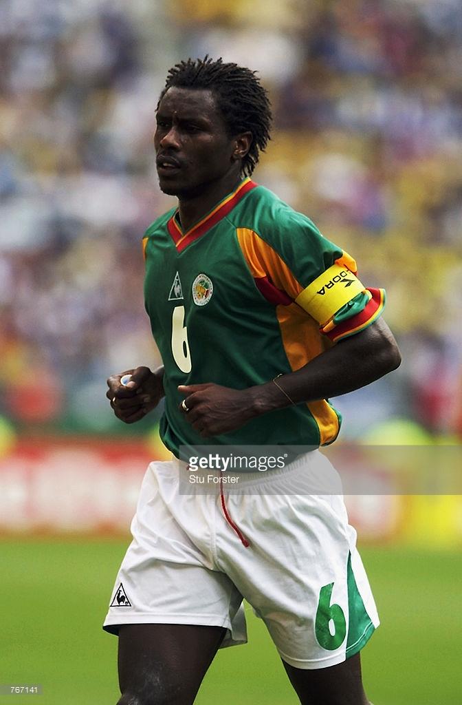"""Aliou Cissé en 49 clichés, l'aboyeur des """"Lions"""" de 2002 est devenu coach"""