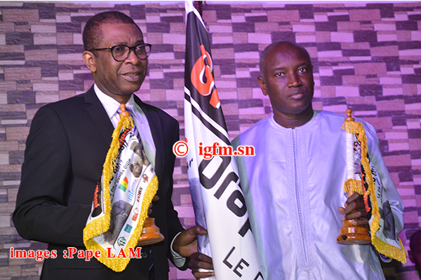 10 Photos : Cérémonie de remise du drapeau Sa Thiès / Ness à Aly Ngouille Ndiaye