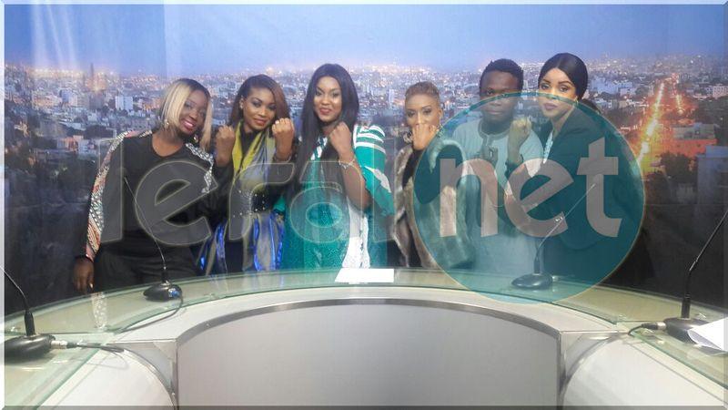 Le groupe Safary sur le plateau de la SenTv avec Salma toutes sublimes !!!!