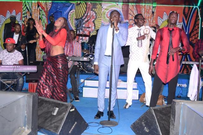 SARABAA aux couleurs de ST VALENTIN, Pape Diouf chante love à ses fans. Regardez
