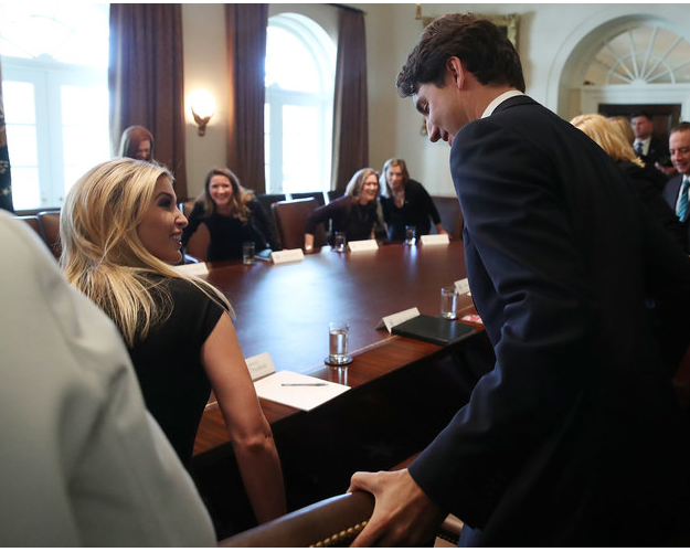 Ivanka Trump a-t-elle succombé au charme du Premier ministre canadien? Des photos sèment le doute