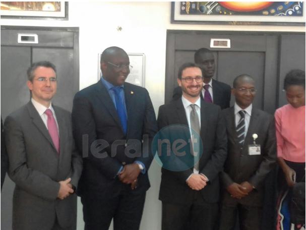 Coopération multilatérale : le Directeur de la Senelec Mouhamadou Makhtar Cissé et la banque européenne d'investissement signe un accord de 49 milliards de franc Cfa
