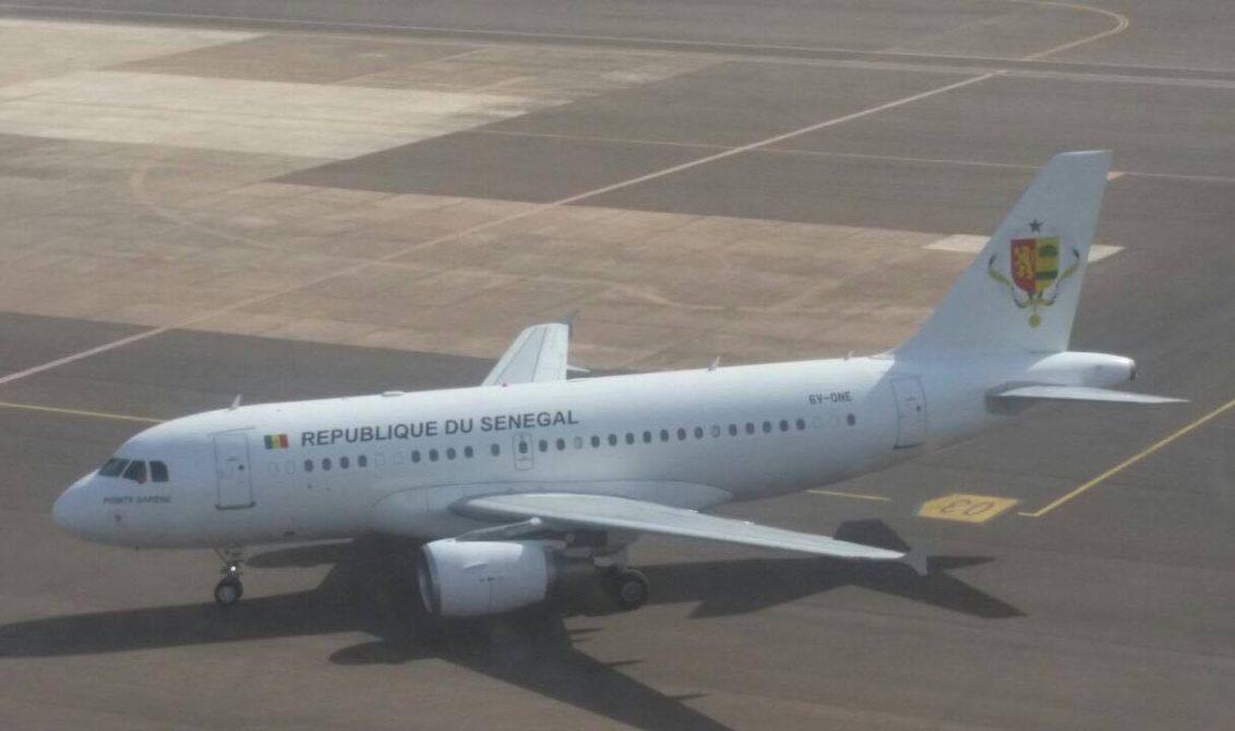 Le président Macky Sall, invité d'honneur de son homologue Gambien est arrivé à 16h 20 à l'aéroport international de Banjul