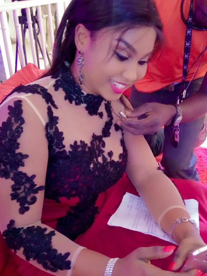 Salma Diakhoumpa Sen TV, le sourire ravageur d'une vénus