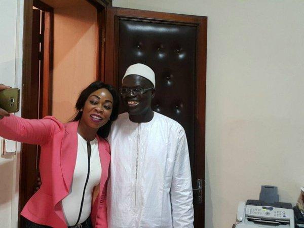 Aby Ndour soutient Khalifa Sall par une selfie, regardez...