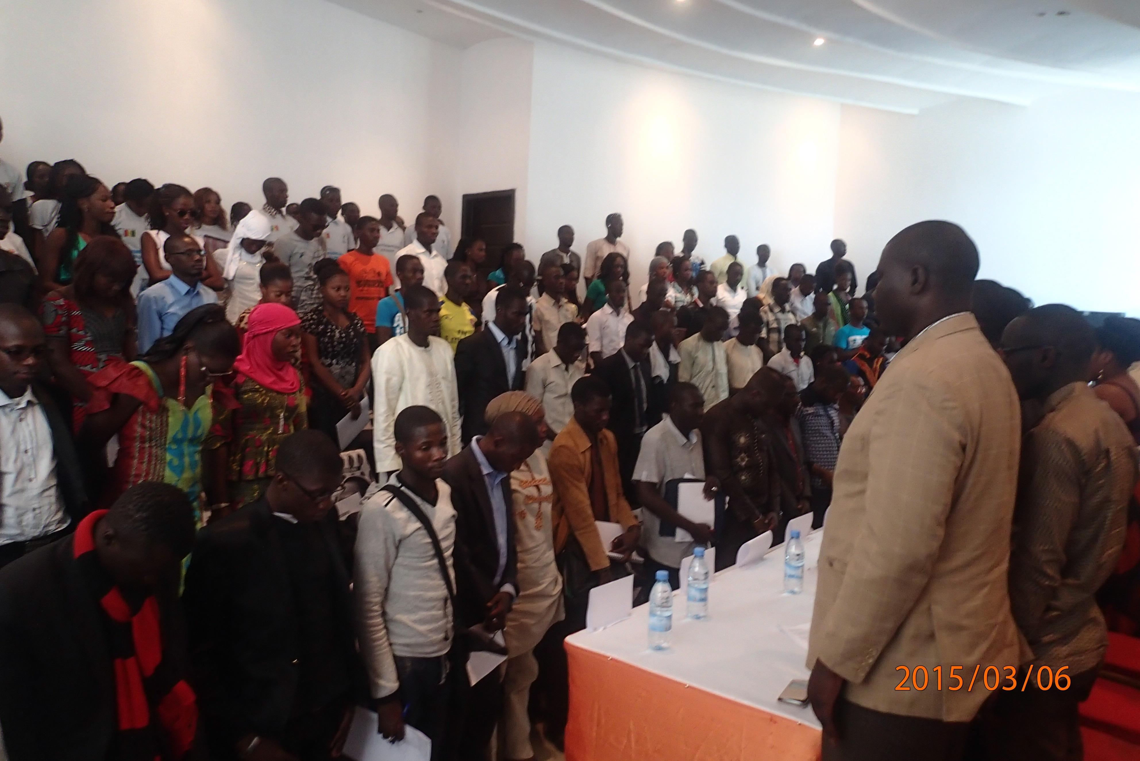 Sortie d'Abdoulaye KHOUMA: Heureusement que le ridicule ne tue pas, sans quoi, l'APR serait décimée à Kaolack.
