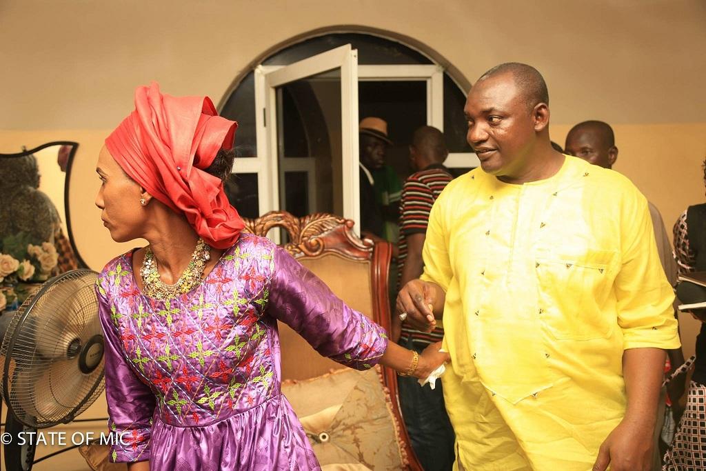 La Première dame d'Adama Barrow, awo bourou keureum ne lâche plus son Président