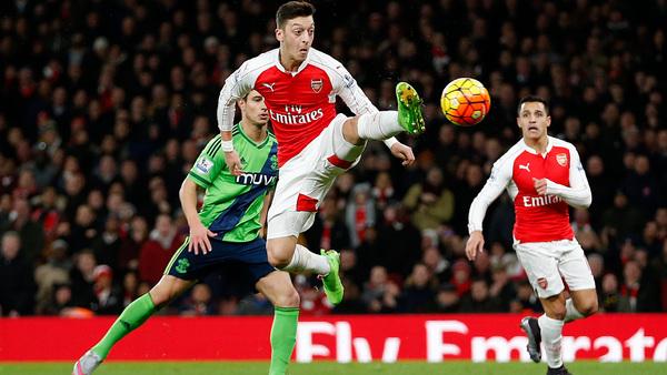 ÖZIL (joueur d'Arsenal) accuse son père être le responsable de son départ du Réal Madrid