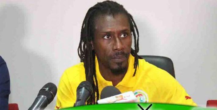 """L'entraîneur des """"Lions"""" Aliou Cissé"""