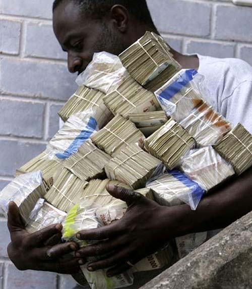 Urgent: 4 individus porteurs d'un montant de 29 997 000 d'anciens billets de francs CFA  interpellés par la Police