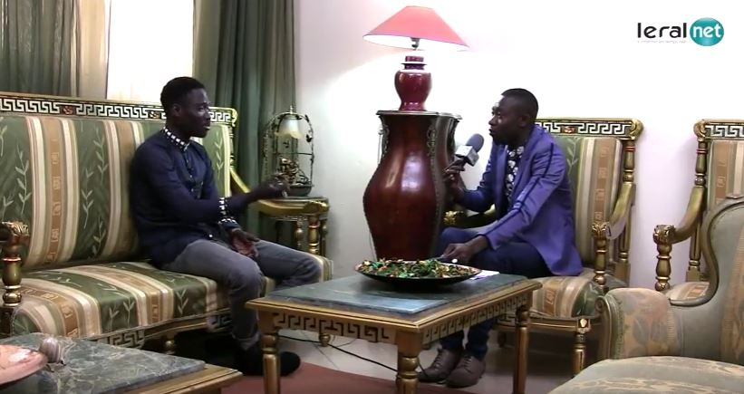 """Momo Dieng, guest-star de l'émission SIIW : """"J'ai hérité la chanson de mon père Ndiouga Dieng, mais, c'est mon frère Alpha qui a fait de moi un chanteur"""""""