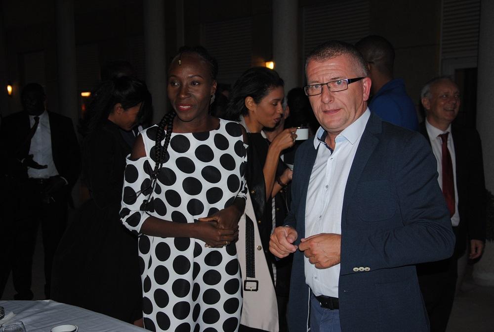 Mme Adama Paris et M. Olivier Morand, Directeur du Casino Terrou Saly