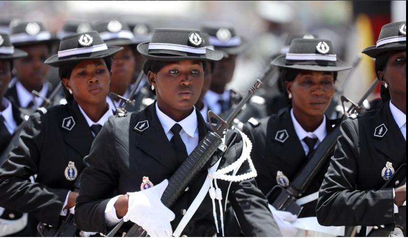 Photos-Les femmes bien représentées hier au défilé, preuve de la féminisation de l'Armée et de la Gendarmerie