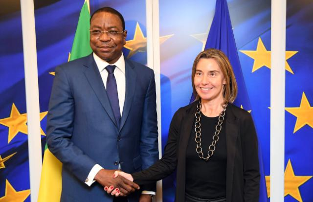 Le ministre Mankeur Ndiaye et Mme Federica Mogherini, la Haute Représentante de l'UE