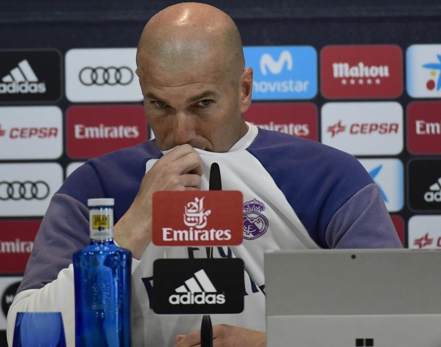"""Real Madrid: """"Je ne suis pas sûr d'être là"""" la saison prochaine, assure Zidane"""