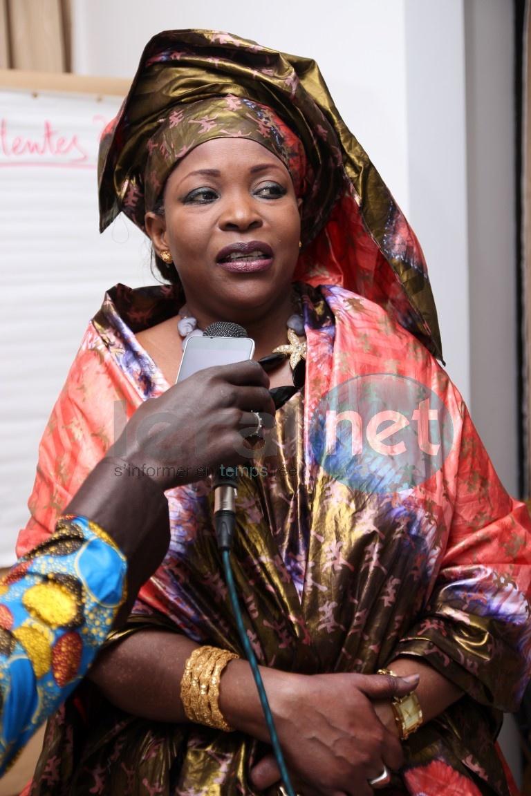 Photos- Revoilà Awa Guèye Kébé, l'ex-ministre de Wade très élégante dans son boubou Thioub