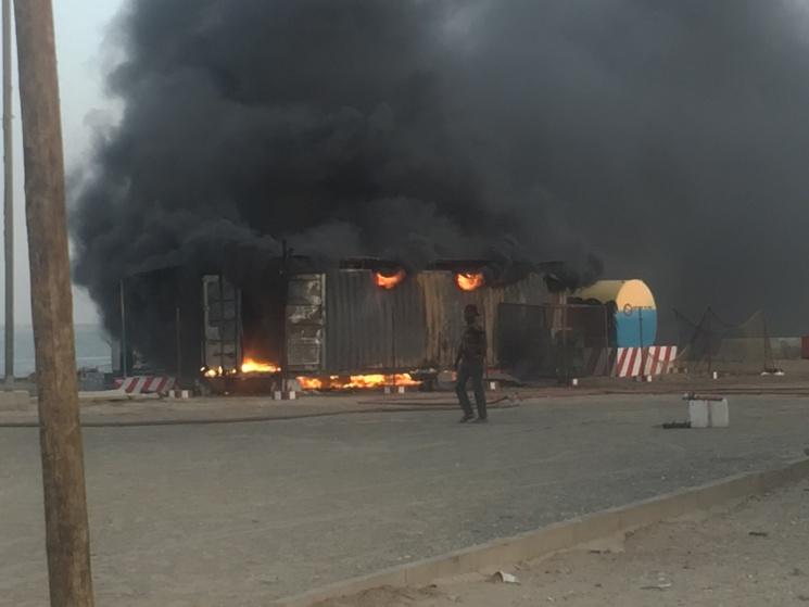 Dernière minute: Encore un incendie, la station d'essence du quai de pêche de l'Hydrobase (Saint-Louis) a pris feu
