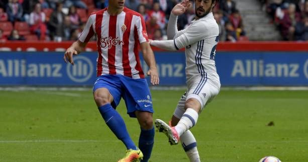 ESP - Le Real Madrid libéré par Isco sur la pelouse de Gijon