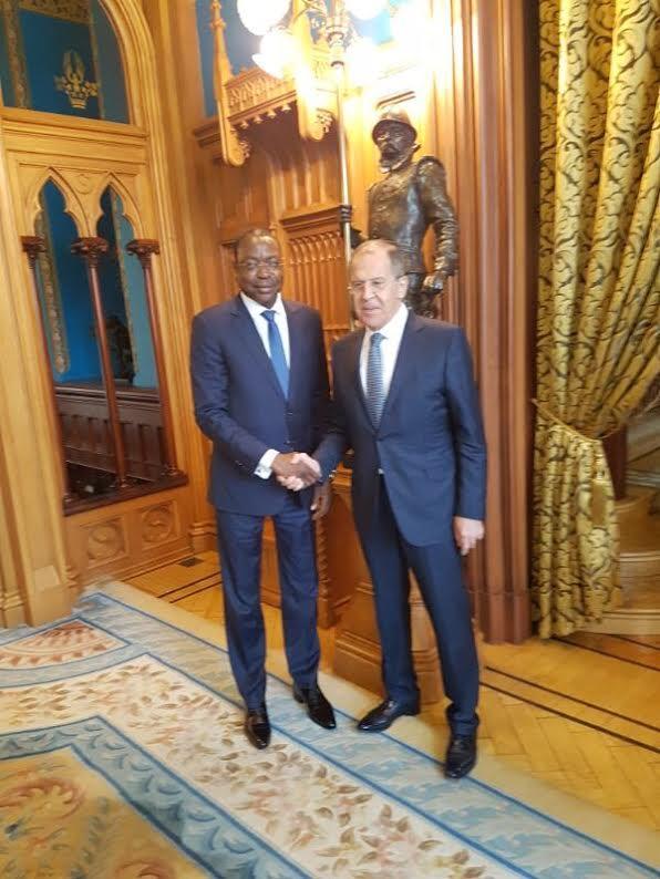 Le ministre des affaires étrangères Mankeur Ndiaye en compagnie de son homologue russe