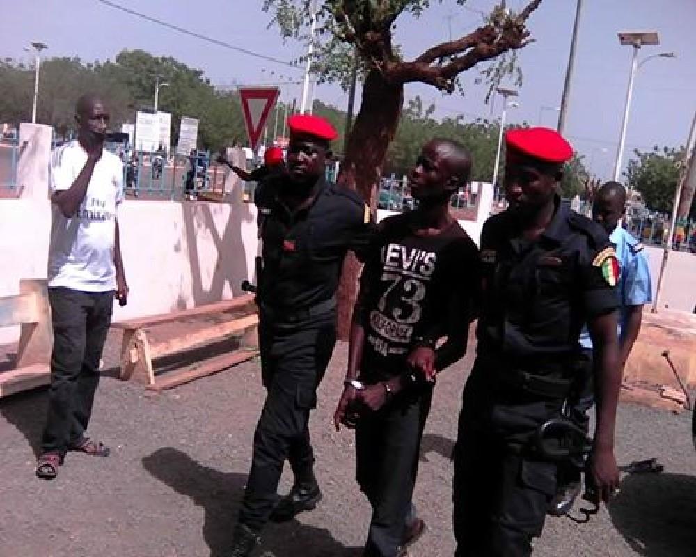 """5.000 pounds au Commissaire Central de Dakar : la Police nationale s'indigne """"des déclarations mensongères"""" de Boy Djinné"""