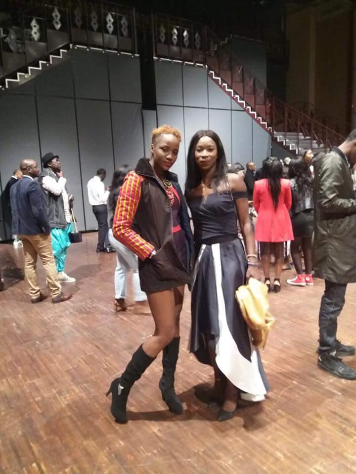4 photos : Eva chon de la 2stv et Ngoné Ndiaye London vous font coucou