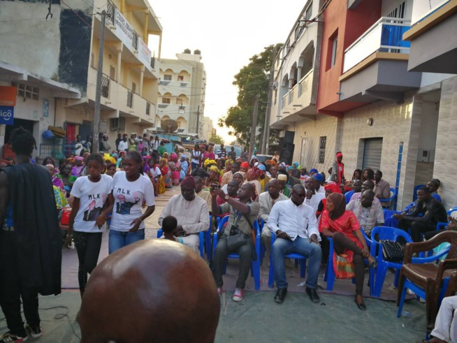Meeting du mouvement de soutien à Karim Wade à Pikine: La Section Marché Zinc de Pikine du Mouvement Ligueuy AK Karim (MLK) a organisé ce samedi 29 Avril 2017 un Grand Meeting