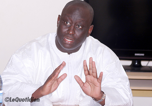 Jeu de yo-yo d'Aliou Sall:  En 24 heures, le maire de Guédiawaye maintient sa candidature et la retire de nouveau