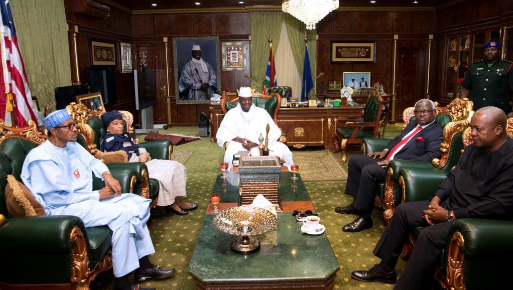 Gambie: Adama Barrow s'attache au cocon de protection de la CEDEAO