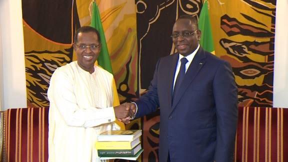 Macky Sall a reçu Sidy Lamine Niasse, PDG du groupe Walfadjiri