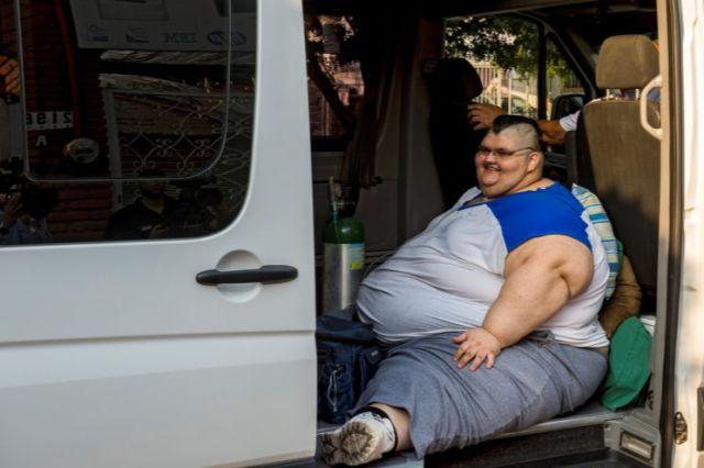 Mexique l 39 homme le plus gros du monde va tre op r - L homme le plus beau au monde ...