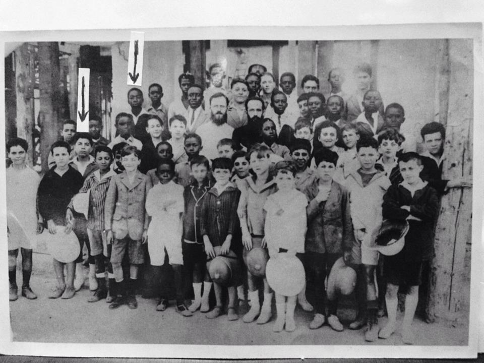 Photo Souvenir: Le Président Senghor avec ses camarades de classe, en 1920