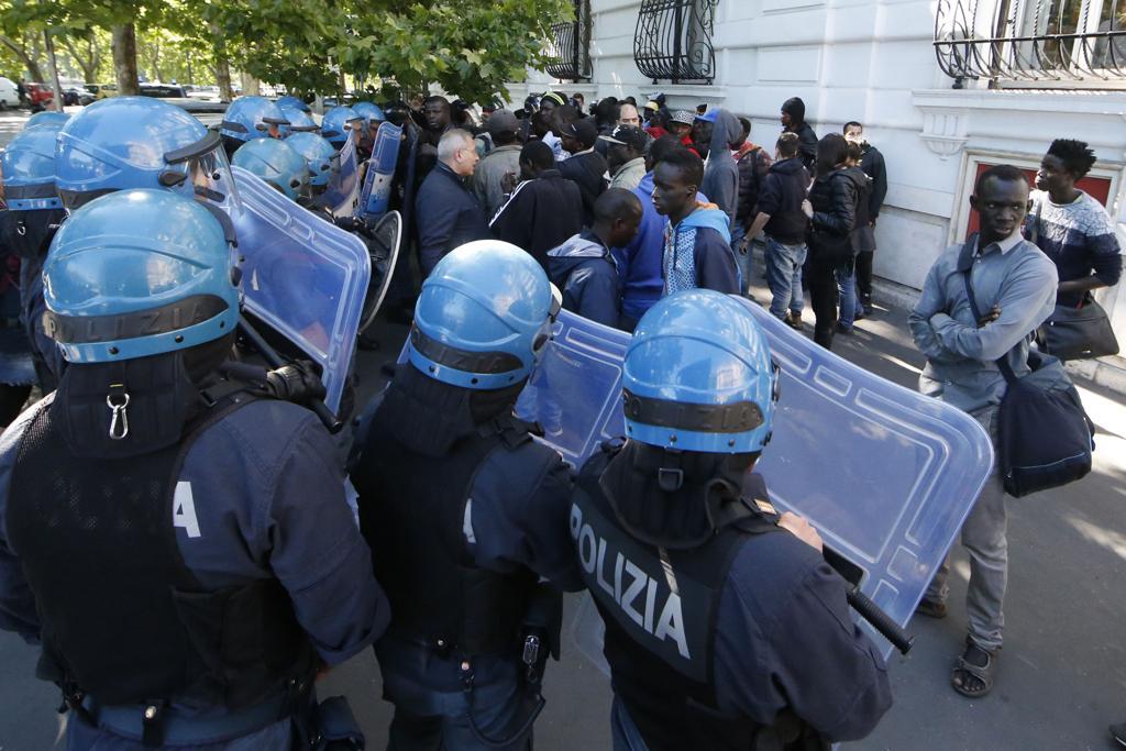 Italie: Grosse colère de la communauté sénégalaise de Rome réclamant justice après la mort du marchand ambulant, Maguette Niang