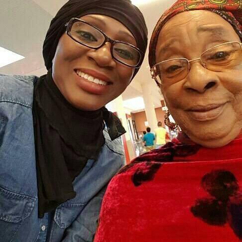 (02 Photos) Ngoné NDOUR en toute complicité avec sa maman à Paris