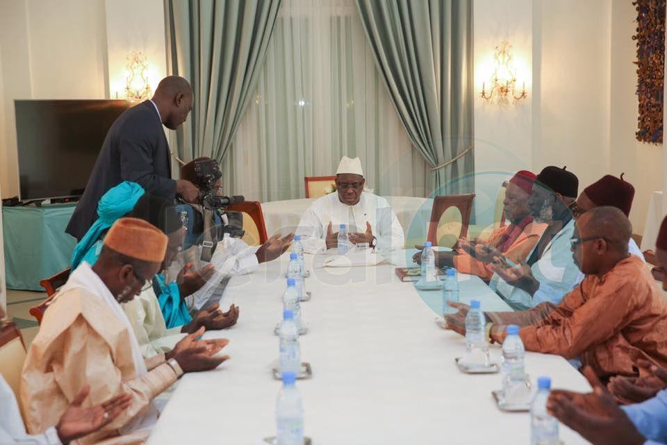 Le Président de la République a reçu Serigne Omar Ahmad Dème, Khalife de El Hadji Ahmad Dème de Sokone