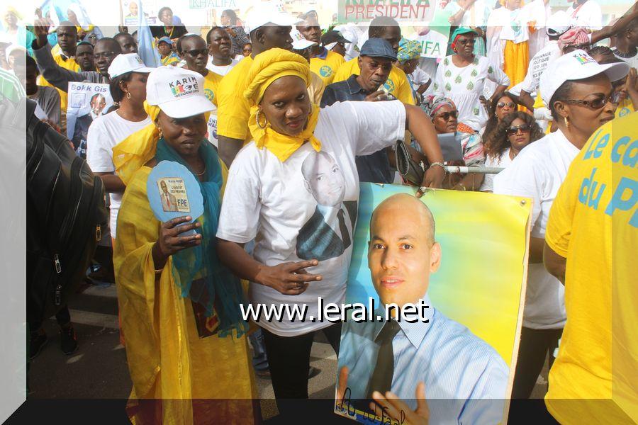 Rassemblement de l'opposition, Mankoo manifeste dans le désordre